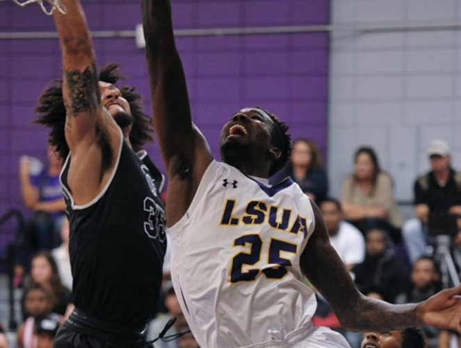 Brian Sylvester (#25) leads the NAIA in blocked shots with 3.3 per game this season.