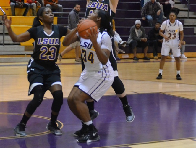 The 2014-15 RRAC Player of the Year, Kourtney Pennywell posted consecutive 23-point outings for LSUS last week.